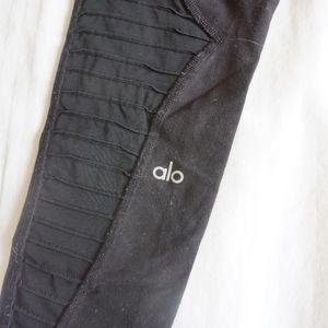 ALO Yoga Full Length Leggings. Size small.